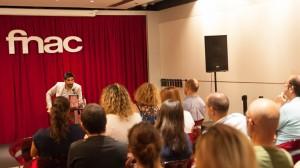 Manel Loureiro durante su presentación en Fnac Málaga. Fotografía de Sonia Jiménez