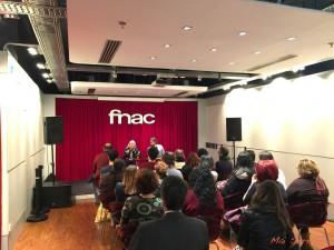 Público durante la presentación en el fórum de Fnac Málaga. Fotografía de Mai Serrano