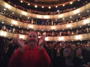 Lleno absoluto en el Teatro Cervantes