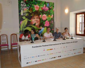 """Rueda de prensa. Presentación """"Pedro de Urdemalas"""". Palacio de Valdeparaíso. Fotografía de Laura Vil"""