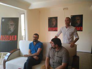 """Israel Elejalde, Jordi Casanovas y Miguel del Arco durante la rueda de prensa de """"Idiota"""""""