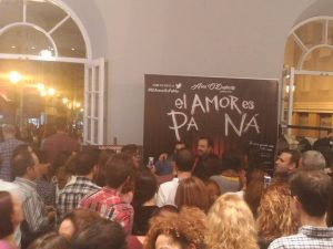 Álex O´Doguerty al final de la función en el hall del Teatro Cervantes.