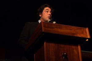 Juan Gabriel García, presentador de la gala de Clausura del Almería Western Film Festival. Fotografía de Carlos Freire