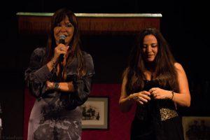 Giuliana y Vera Gemma, hijas del actor Giuliano Gemma al que homenajearon en el documental proyectado en Almería Western Film Festival. Fotografía de Carlos Freire