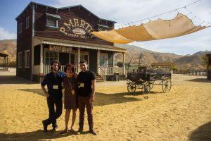 Marino Darés y Héctor Juezas visitando el MiniHollywood en Tabernas. Fotografía de Carlos Freire
