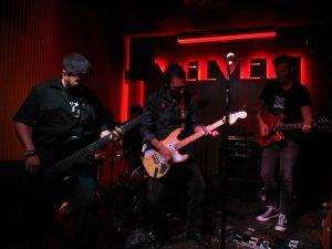 """Javier Arnal y """"Las flores del mal"""" durante el concierto en Velvet Club"""