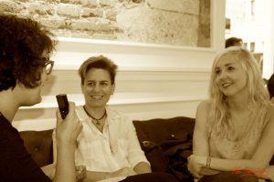 Entrevistando a Alba Jiménez y Kris León. Fotografía de Mai Serrano