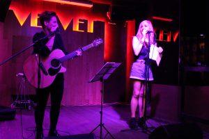 Alba Jiménez y Kris León durante su concierto en la sala Velvet Club, Fotografía de Loli Cerezo