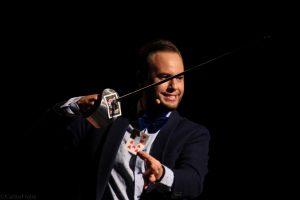 """Jorge Blass durante su actuación en """"El arte de la magia"""". Fotografia de Carlos Freire"""