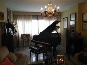 Piano de Paula Coronas en casa de sus padres donde realizamos esta entrevista