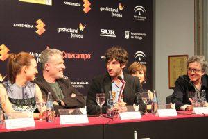 Quim Gutiérrez interviniendo en rueda de prensa. Fotografía de Víctor Almazán.