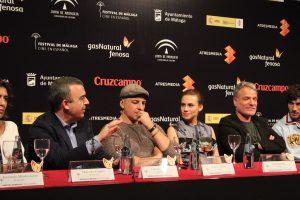 Lorenzo Silva, Roberto Álamo y Aura Garrido durante la rueda de prensa. Fotografía de Víctor Almazán