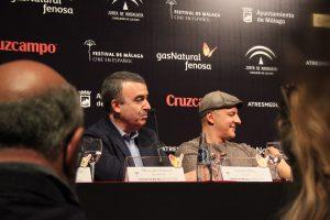 Lorenzo Silva y Roberto Álamo durante la rueda de prensa. Fotografía de Víctor Almazán.
