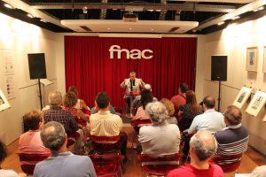 """Presentación de """"Recordarán tu nombre"""" en el fórum de Fnac Málaga. Fotografía de Víctor Almazán."""