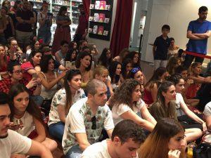 Público asistente al fórum de Fnac Málaga. Fotografía de Kris León