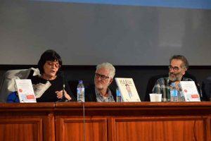 Tecla Lumbreras (Vicerrectora de Cultura y Deporte) Miguel Gallardo y Francisco Guerrero. Fotografía de Javi Sánchez