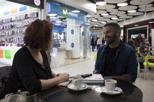 Gonzalo D ´Ambrosio durante nuestra entrevista en Fnac Málaga. Fotografía de Jose Vera.