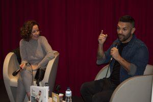 Gonzalo D ´Ambrosio durante su presentación en Fnac Málaga. Fotografía de Jose Vera.