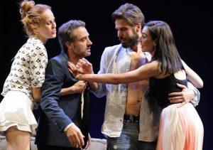 """Reparto de """"Dos más dos"""", María Castro, Daniel Guzmán, Álex Barahona y Miren Ibarguren."""