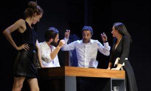"""Reparto de """"Dos más dos"""", María Castro, Álex Barahona, Daniel Guzmán y Miren Ibarguren."""