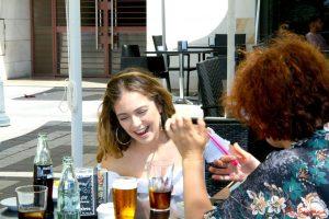 Ana Mena durante nuestra entrevista. Fotografía de Mai Serrano.