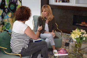 Reyes Monforte durante nuestra entrevista. Fotografía de Tamara Ramírez.
