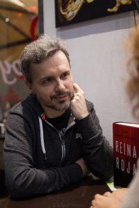 Juan Gómez-Jurado durante nuestra entrevista. Fotografía de Carlos Freire.