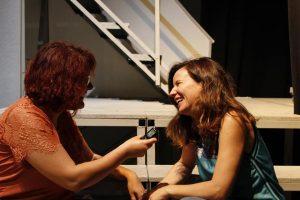 Verónica Cruz, directora escénica y adaptadora del libreto, durante nuestra entrevista. Fotografía de Arantxa Catalá.